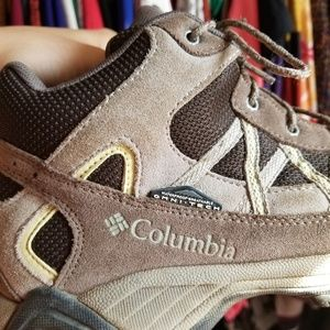 Columbia waterproof omni-grip hiking boot high top